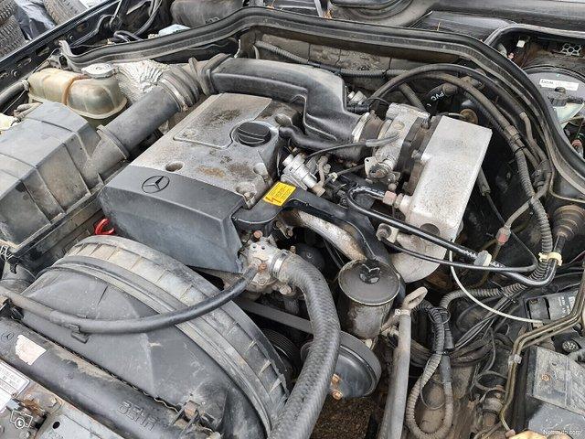 Mercedes-Benz 200 16