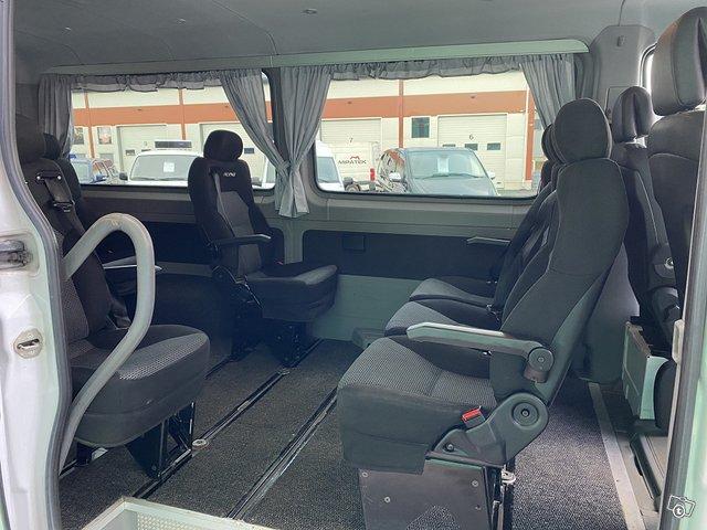 Mercedes-Benz Sprinter 11