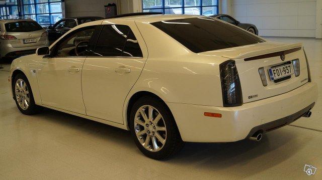 Cadillac STS 7