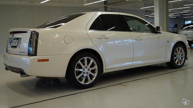 Cadillac STS 10