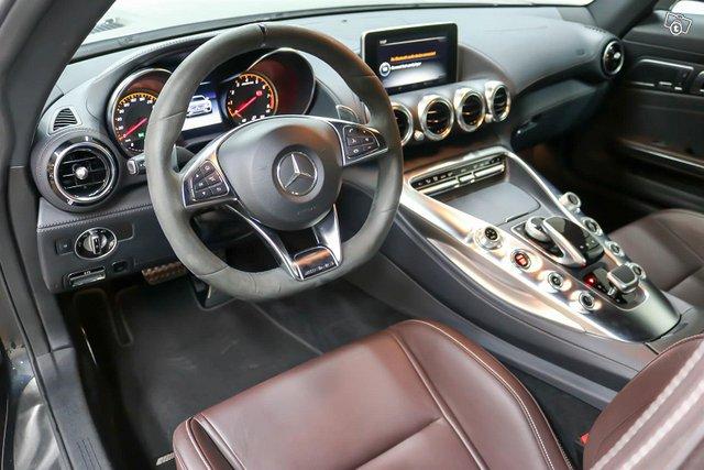 MERCEDES-BENZ AMG GT S 9