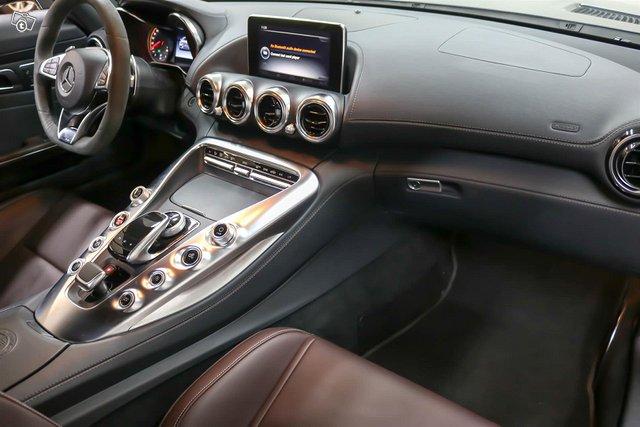 MERCEDES-BENZ AMG GT S 12