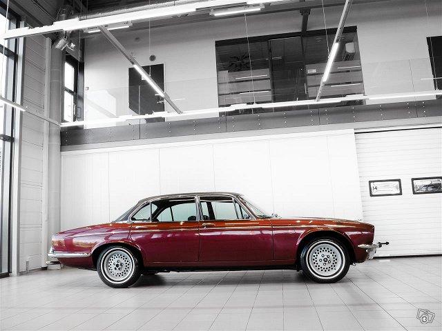 Jaguar XJ12 3