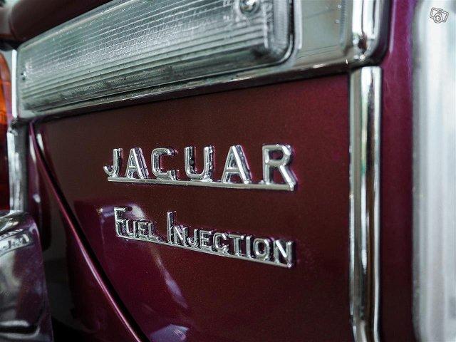 Jaguar XJ12 6