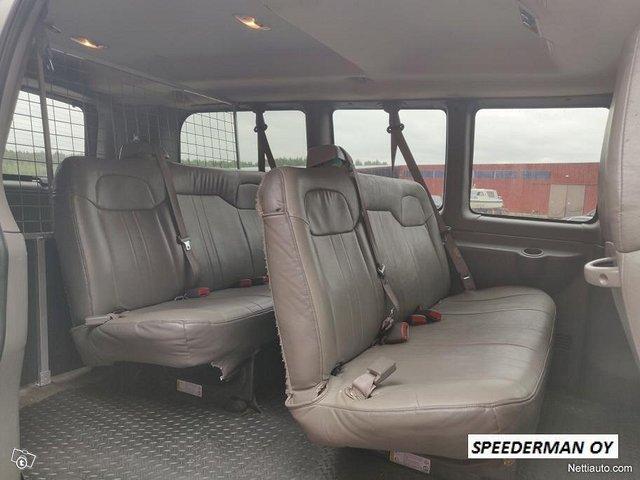 Chevrolet Express 3500 6
