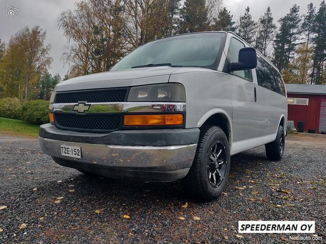 Chevrolet Express 3500 11