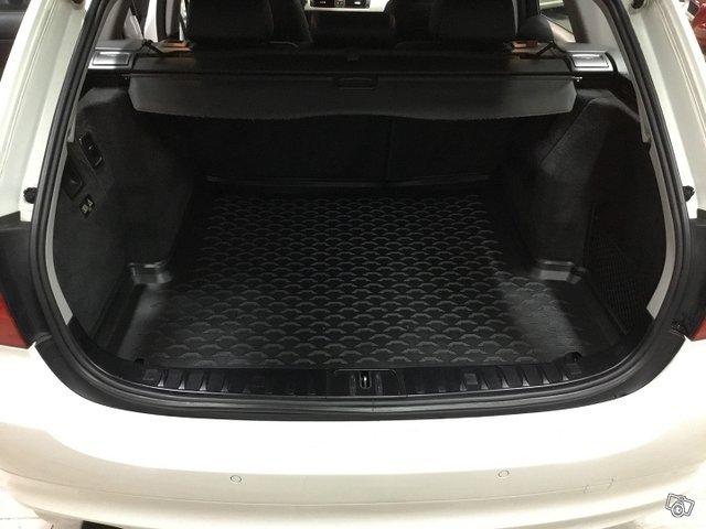 BMW 320 D 9