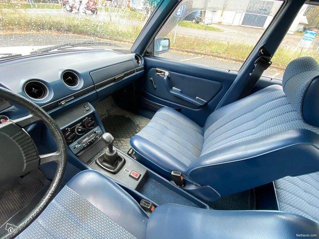 Mercedes-Benz 200 15