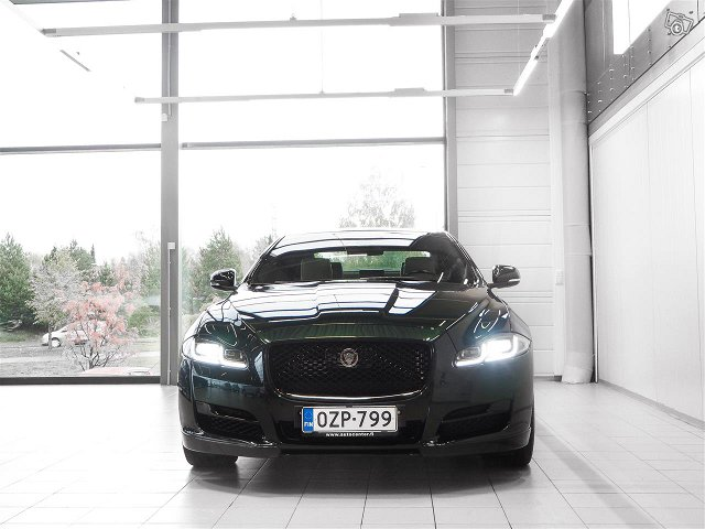 Jaguar XJ 2