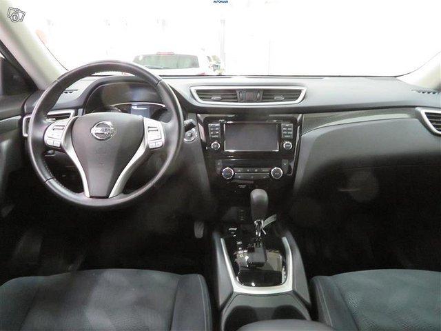 Nissan X-TRAIL 6