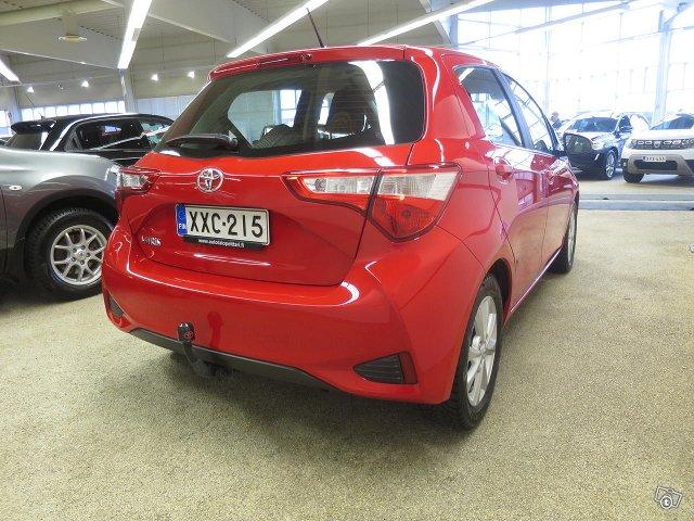 Toyota YARIS 8