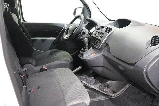 Nissan NV250 9