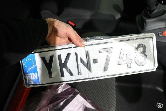 Nissan NV250 23