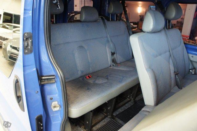 Renault Trafic 12