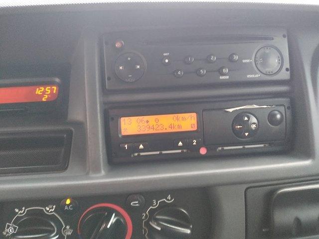 Nissan Interstar 8