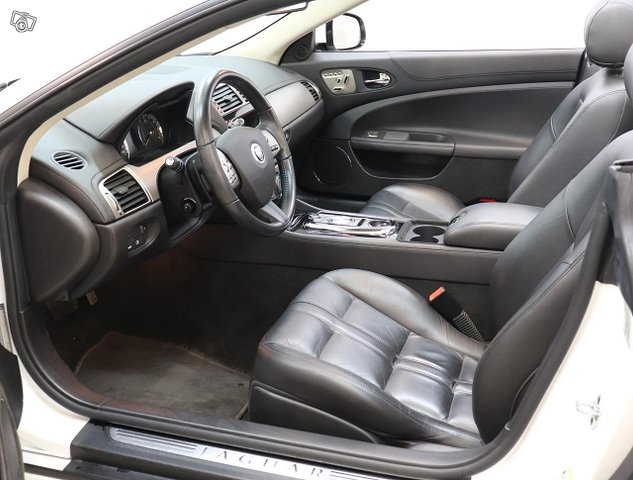 Jaguar XK 10