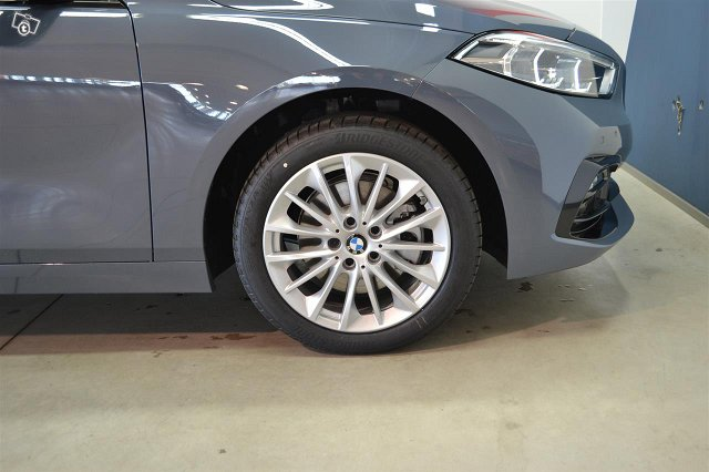 BMW 118 18