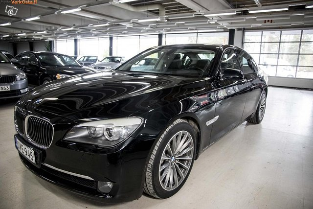 BMW 750 2