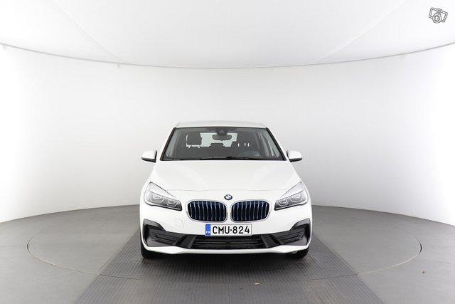 BMW 2-sarja 8