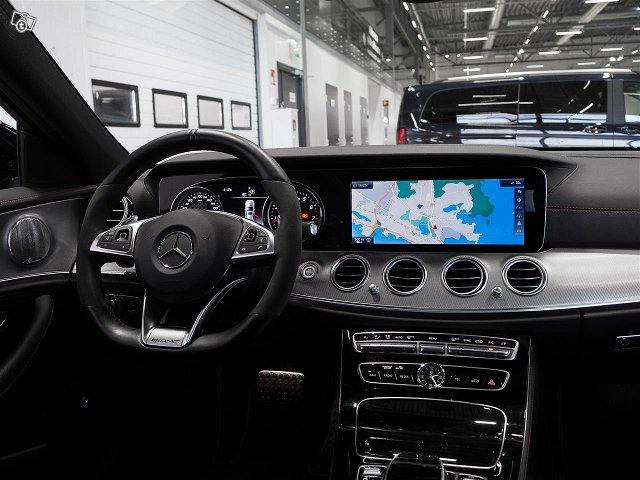 Mercedes-Benz E 43 AMG 6
