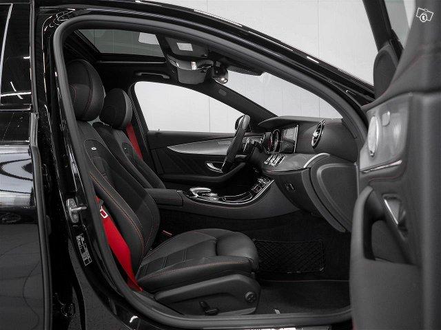 Mercedes-Benz E 43 AMG 7