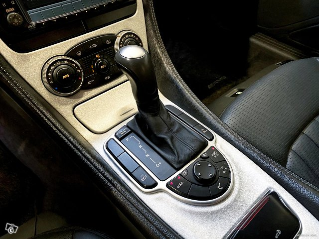 Mercedes-Benz SL 55 AMG 13