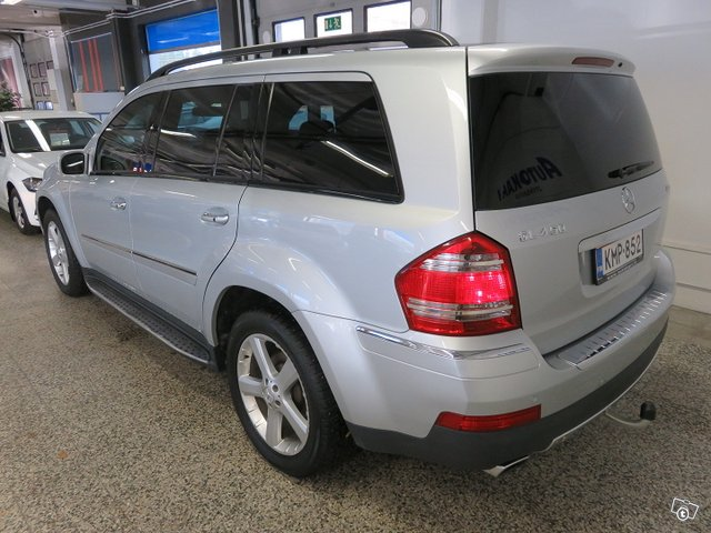 Mercedes-Benz GL 18