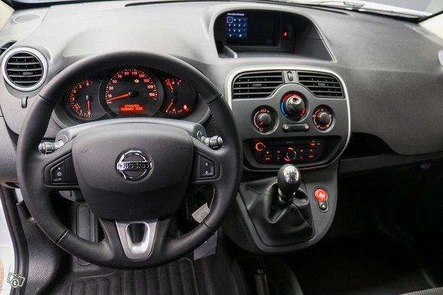 Nissan NV250 5