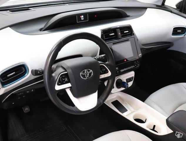Toyota Prius 9
