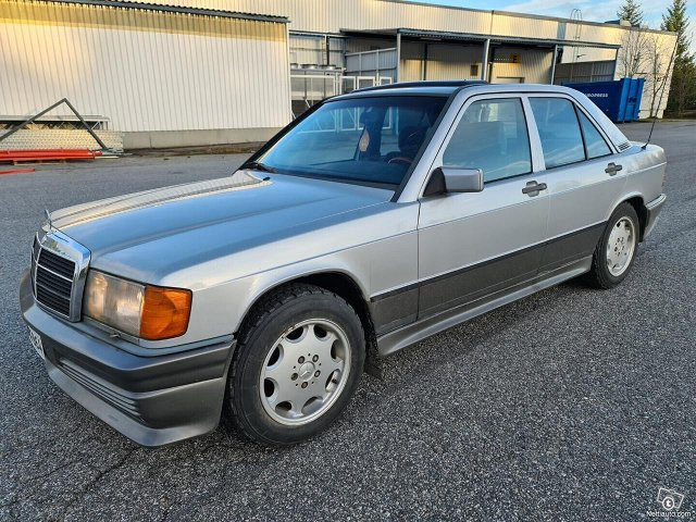 Mercedes-Benz 190 17