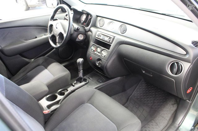 Mitsubishi Outlander 6
