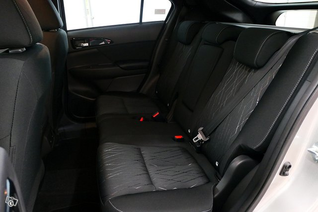 Mitsubishi ECLIPSE CROSS 7