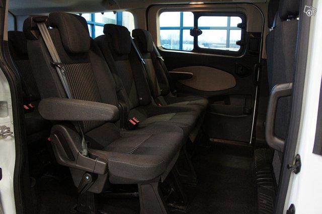 Ford Tourneo Custom 10