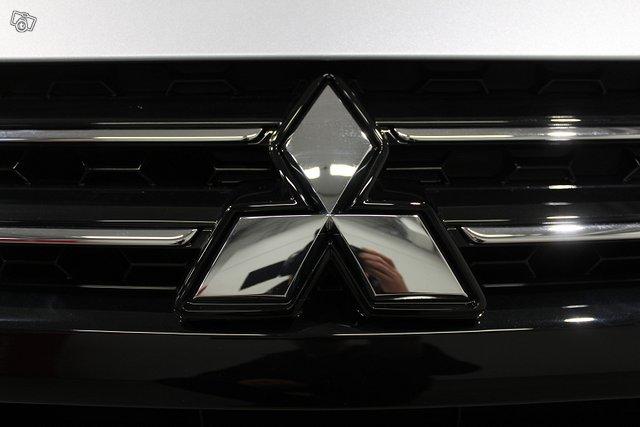 Mitsubishi SPACE STAR 12