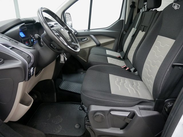 FORD TOURNEO CUSTOM 6