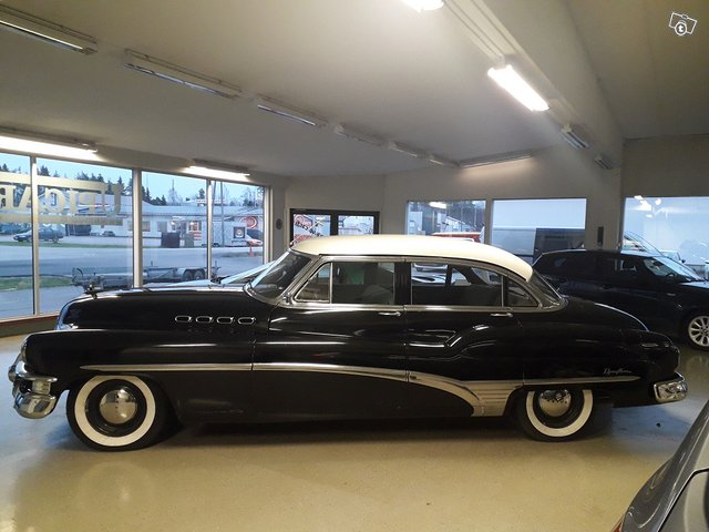 Buick Roadmaster 11