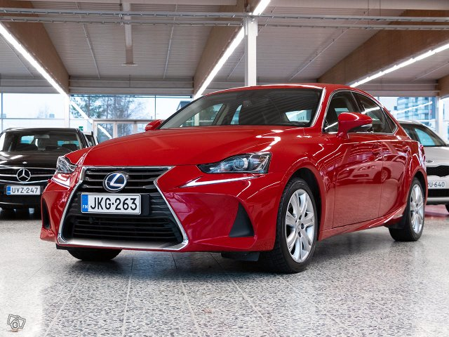 Lexus IS 5