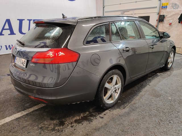 Opel INSIGNIA SPORTS TOURER SW 3