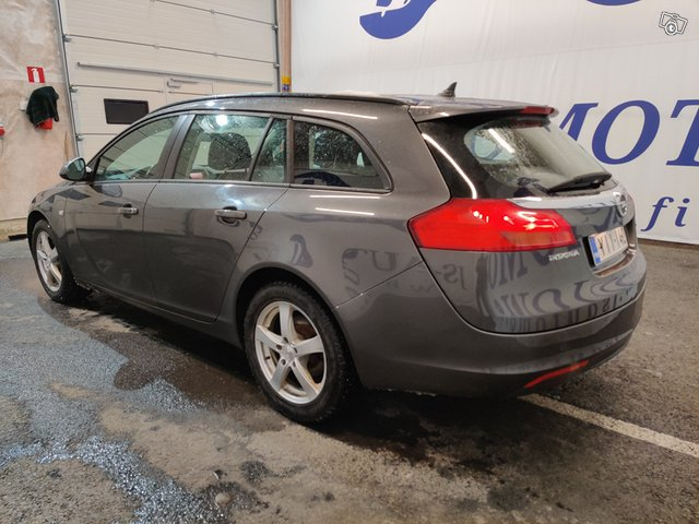 Opel INSIGNIA SPORTS TOURER SW 4