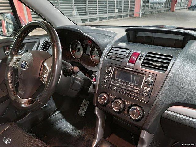Subaru Forester 25