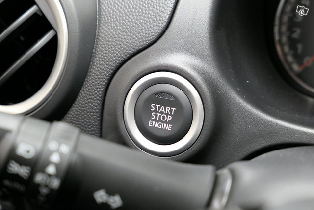 Mitsubishi SPACE STAR 13