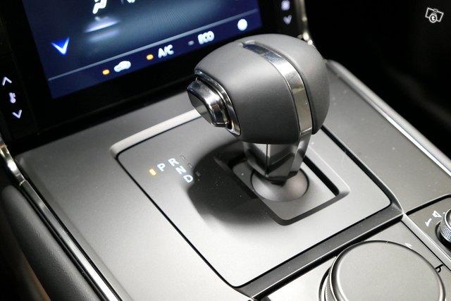 Mazda MX-30 8