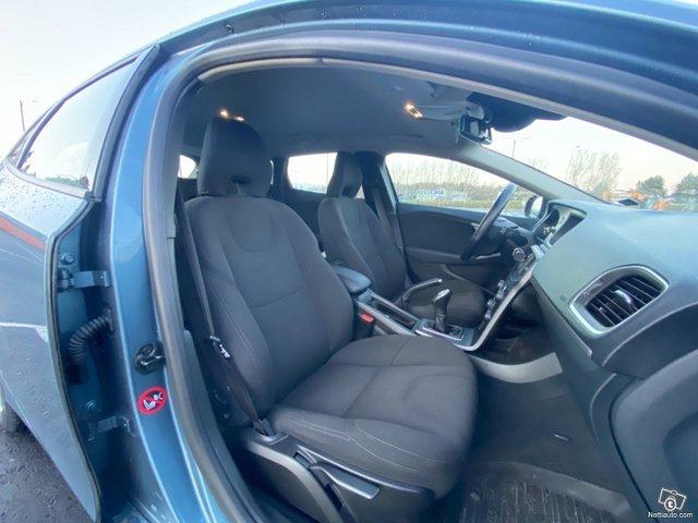 Volvo V40 20