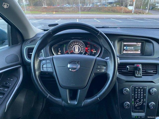 Volvo V40 21