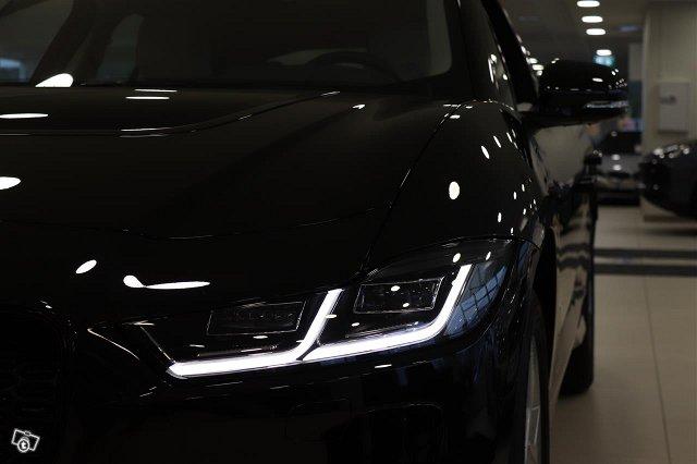 Jaguar I-PACE 10