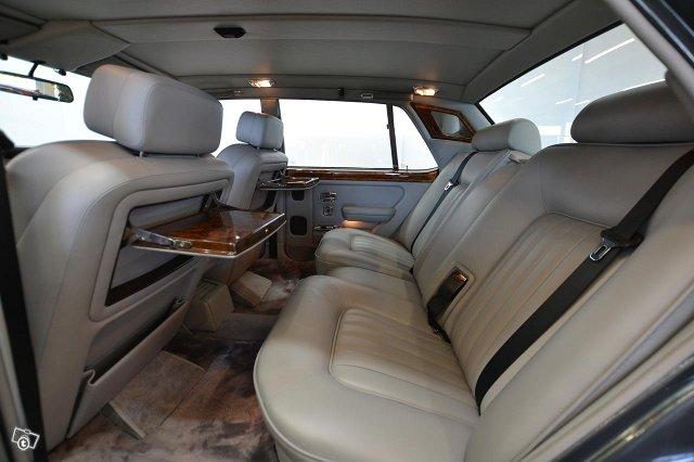 Rolls-Royce Silver Spirit 11