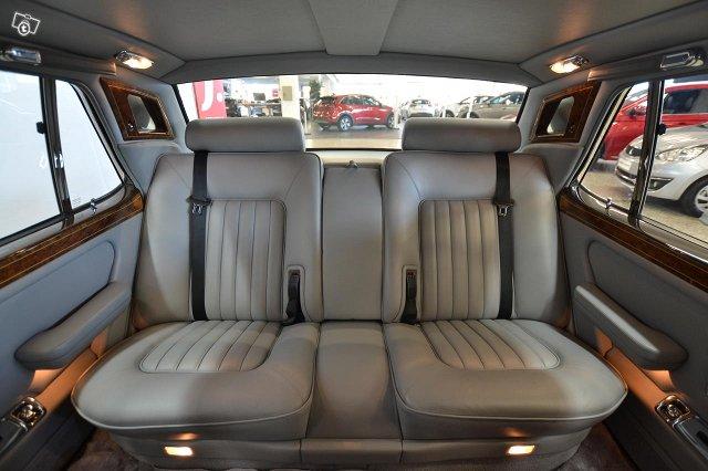 Rolls-Royce Silver Spirit 12