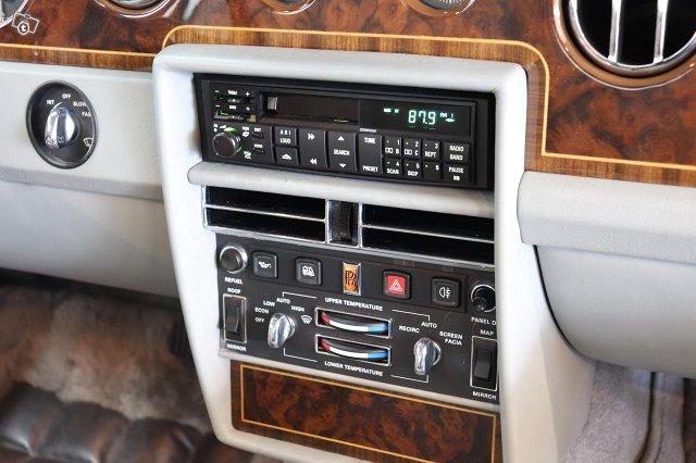 Rolls-Royce Silver Spirit 13