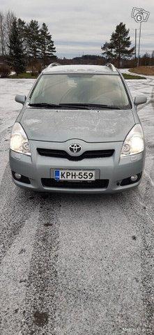 Toyota Corolla Verso 1