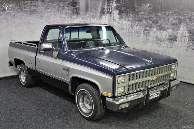 Chevrolet Silverado 1